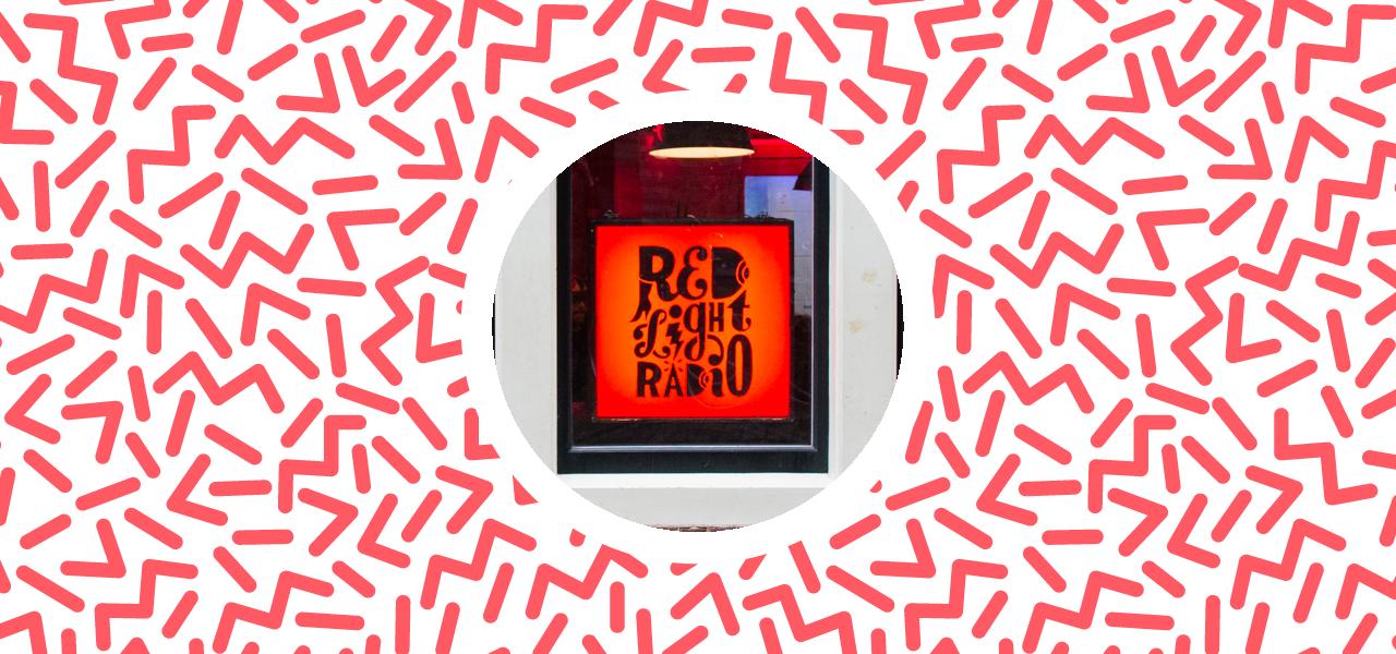 De Pioniers, deel 2: Red Light Radio